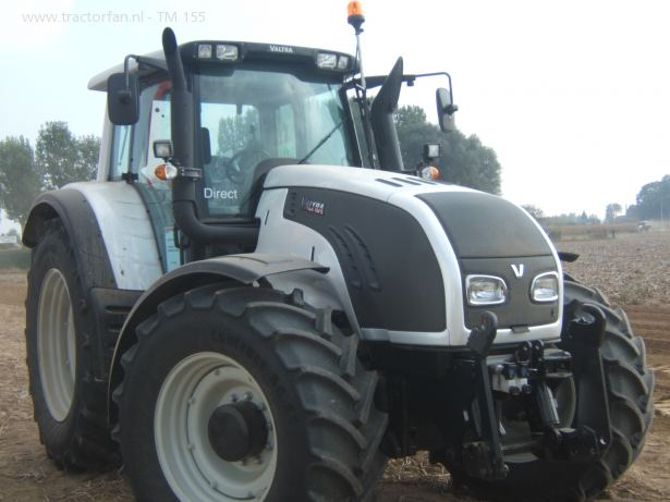 Photo du Tracteurs agricoles T172 Versu et Direct