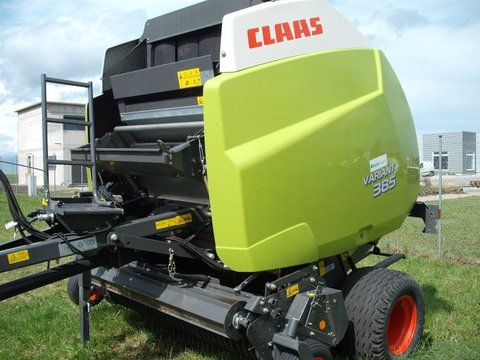 Presse a balle ronde claas