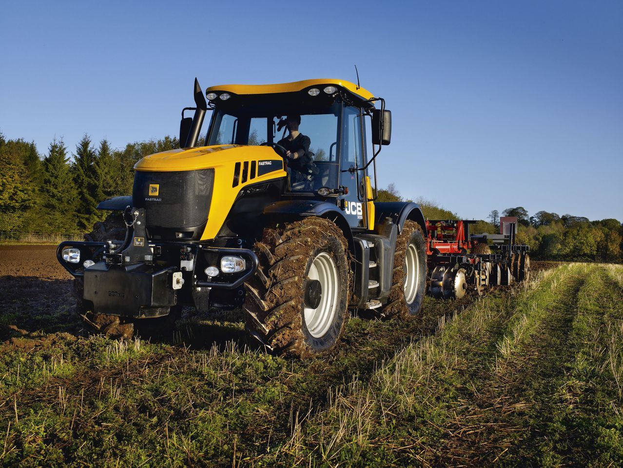 Photo du Vente de matériels neufs Concessionnaire tracteurs, télescopiques, grues JCB