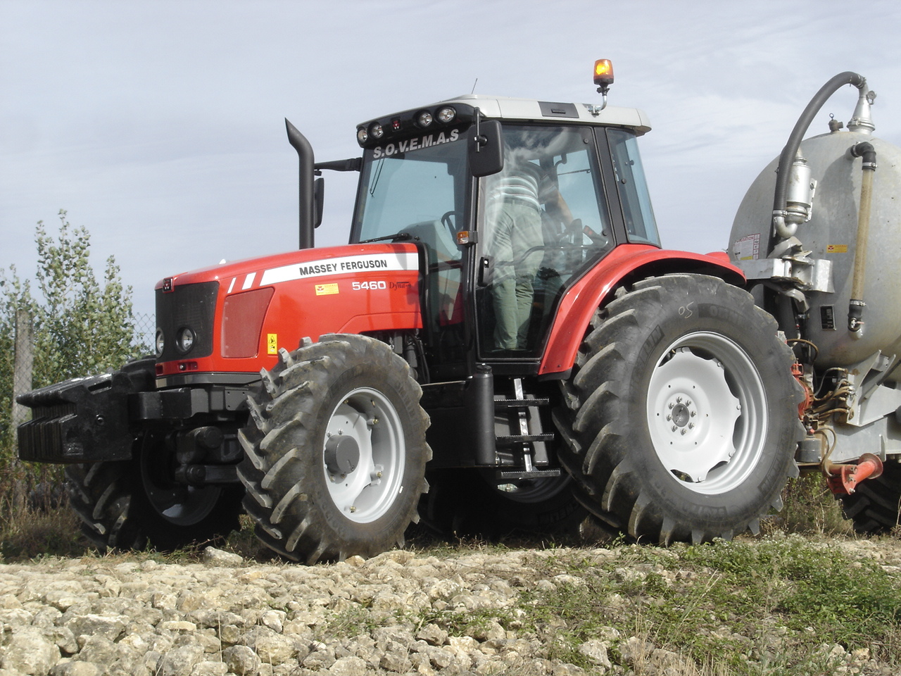 Photo du Tracteurs agricoles MF 5460 Tiers3 SISU