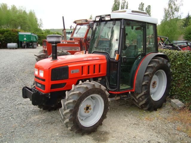 Avis s rie ergit 100 tgf 9800 10400 de la marque carraro - Histoire du tracteur ...